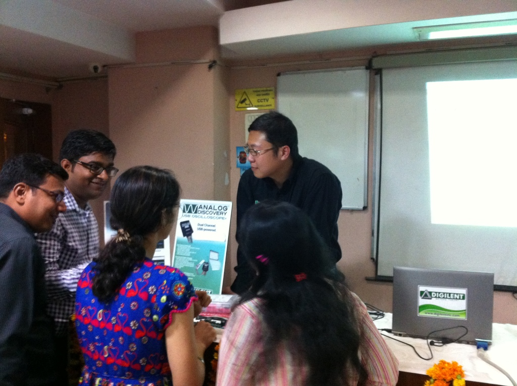 Alex discussed with audience about the use of Analog Discovery in the classroom in Delhi workshop