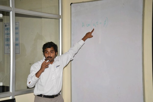 An engineer from NI held the workshop in IUCEE 2015
