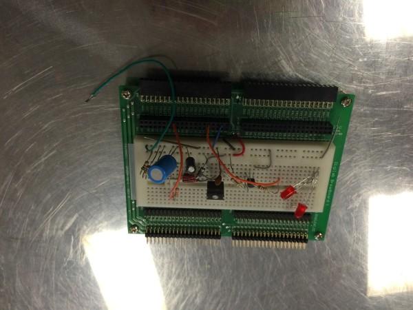 Digilab-breadboard-circuit (1)