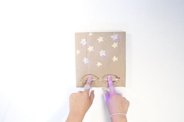diy-xmas-LEDbookcover